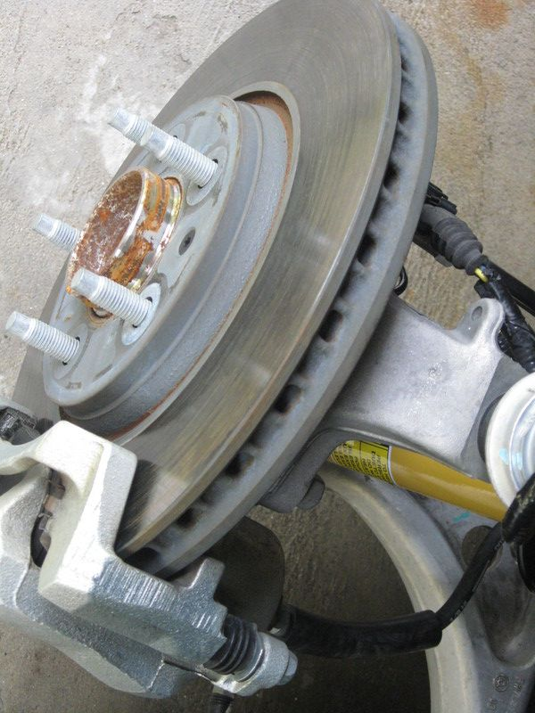 how to avoid rear rotors from rusting